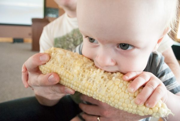 Baby-Eating-Sweet-Corn