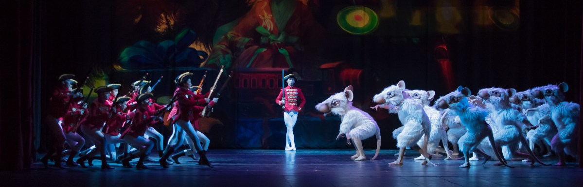 """The Art Deco Nutcracker"" at Chicago's Studebaker Theatre"