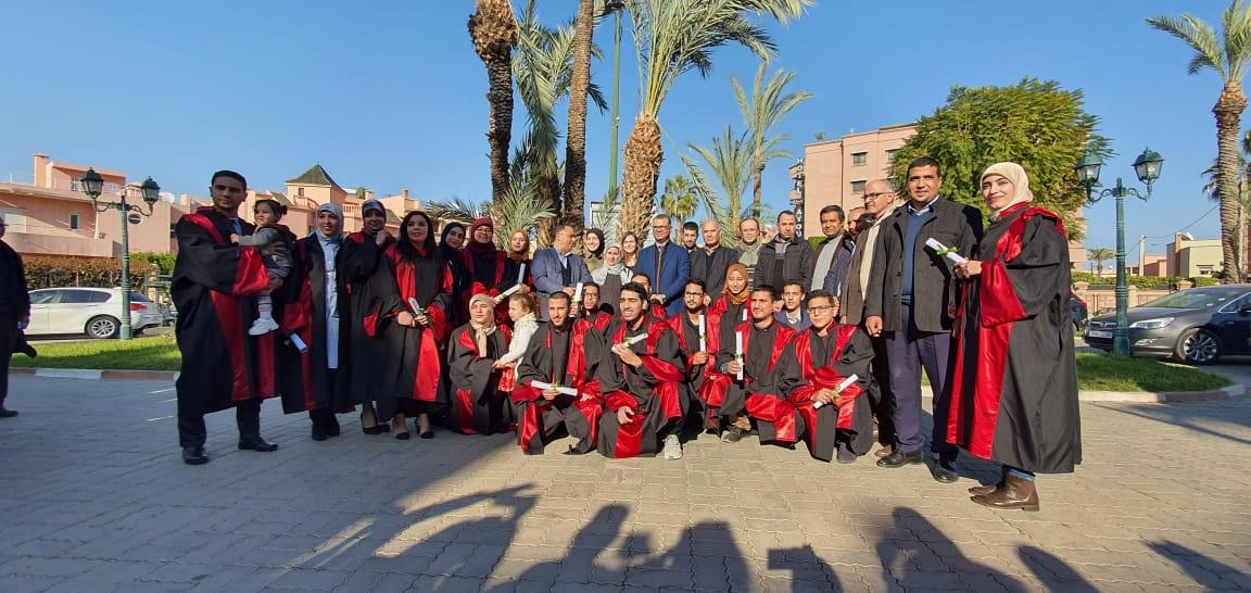كلية الطب والصيدلة بمراكش تحتفي  بتخرج الفوج الأول للمهندسين بيوطبيين