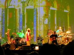 Paul Simon and musicians