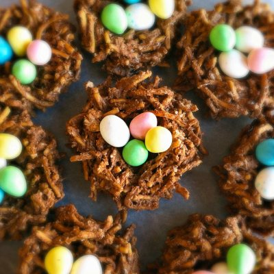 EAT YOUR HEART OUT #9: Chocolate Lo Mein Easter Nests.