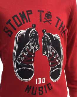 Estampado IDO camiseta roja botas