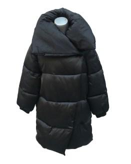 Monnalisa abrigo negro plumas