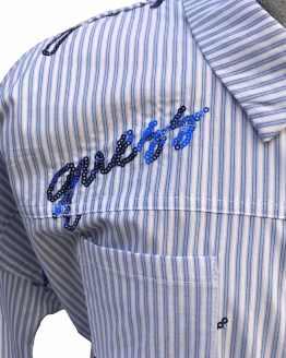 Guess blusa rayas celestes y blancas detalle