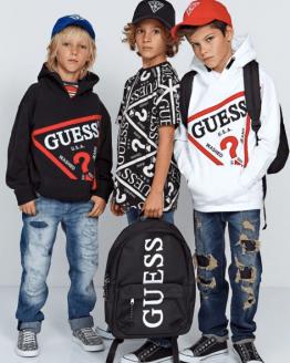Catálogo Guess camiseta chico negra y blanca
