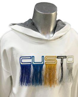 Detalle Custo Barcelona vestido blanco apliques pelo colores
