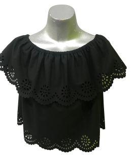 Elsy blusa negra volante perforado