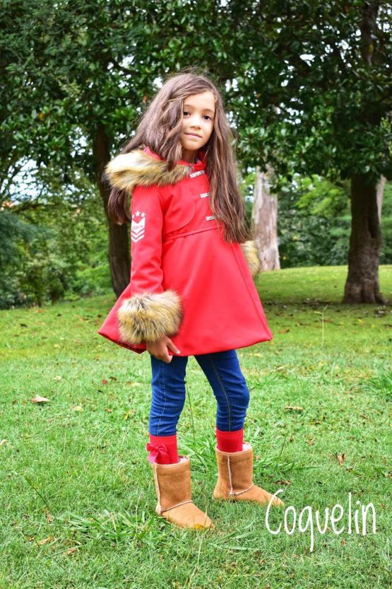 Coquelin abrigo rojo pelo capucha y puños catálogo