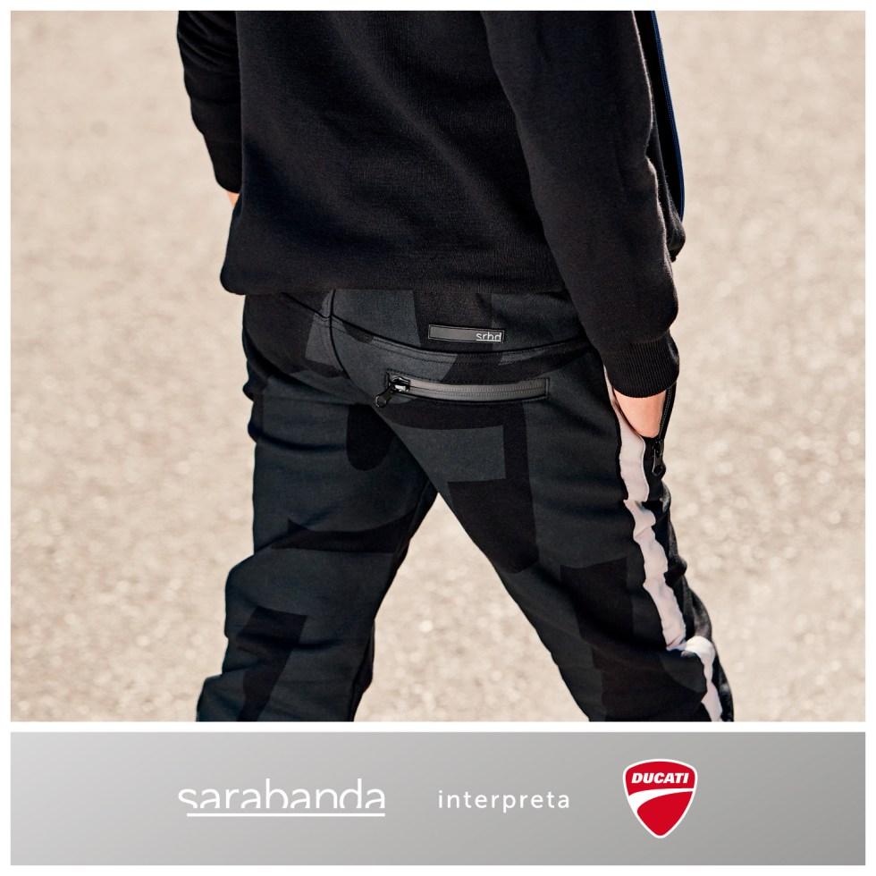 Sarabanda colección Ducati jogging negro letras