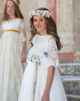 Manuela Montero vestido comunión flores cintura