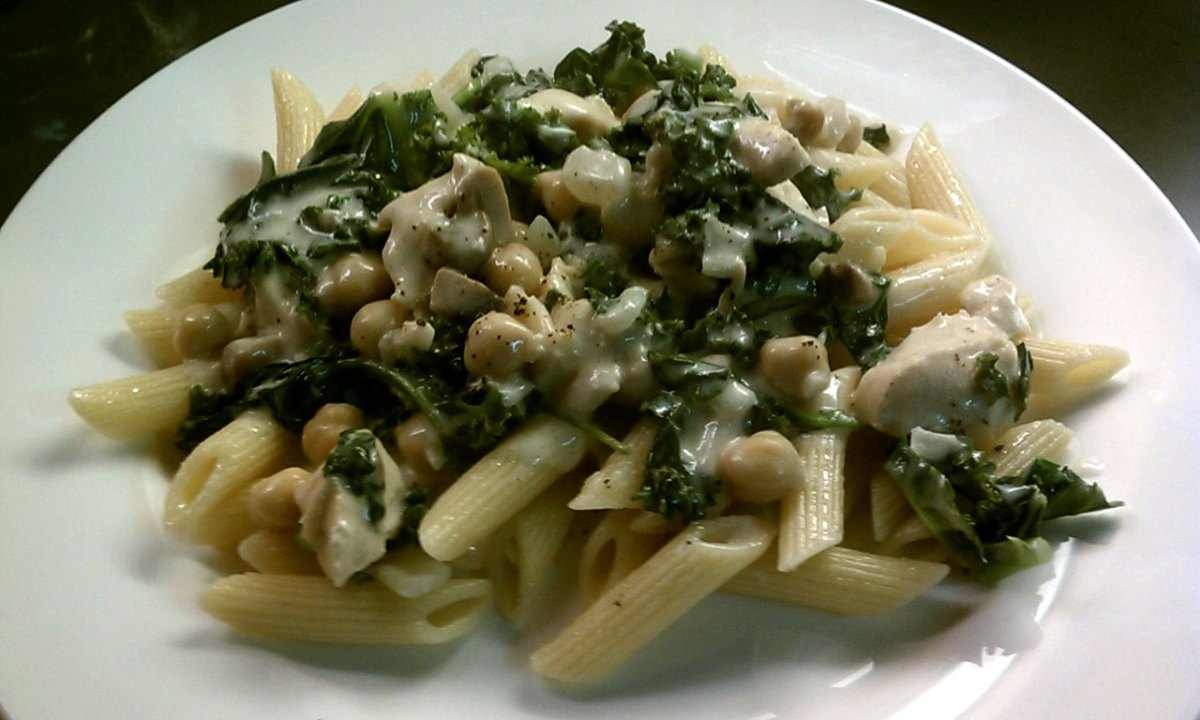 Creamy Chicken Alfredo with Spinach and Kale Over Pasta