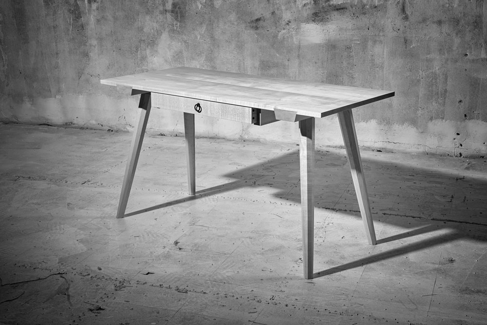Chris Schwarz's staked desk, photographed by Narayan Nayar.  While everyone should have a Narayan to make them look this good, the piece is even better in real life.