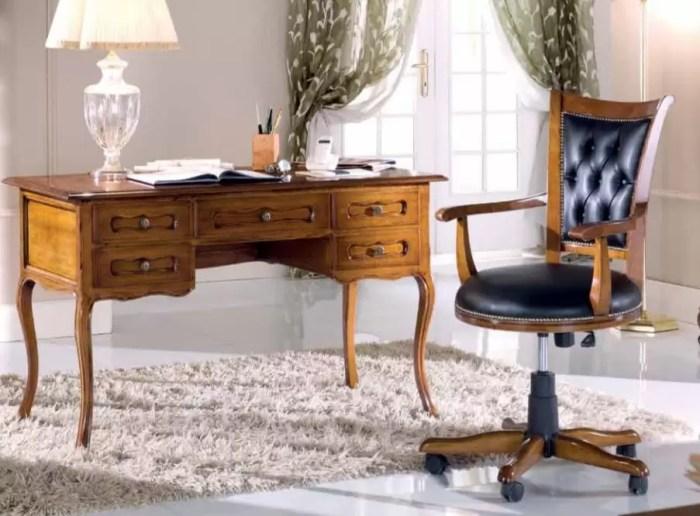 Set scrivania e sedia da ufficio