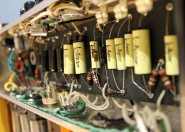 "Review: Modern Sound Amplifiers ""Vibrolush"""