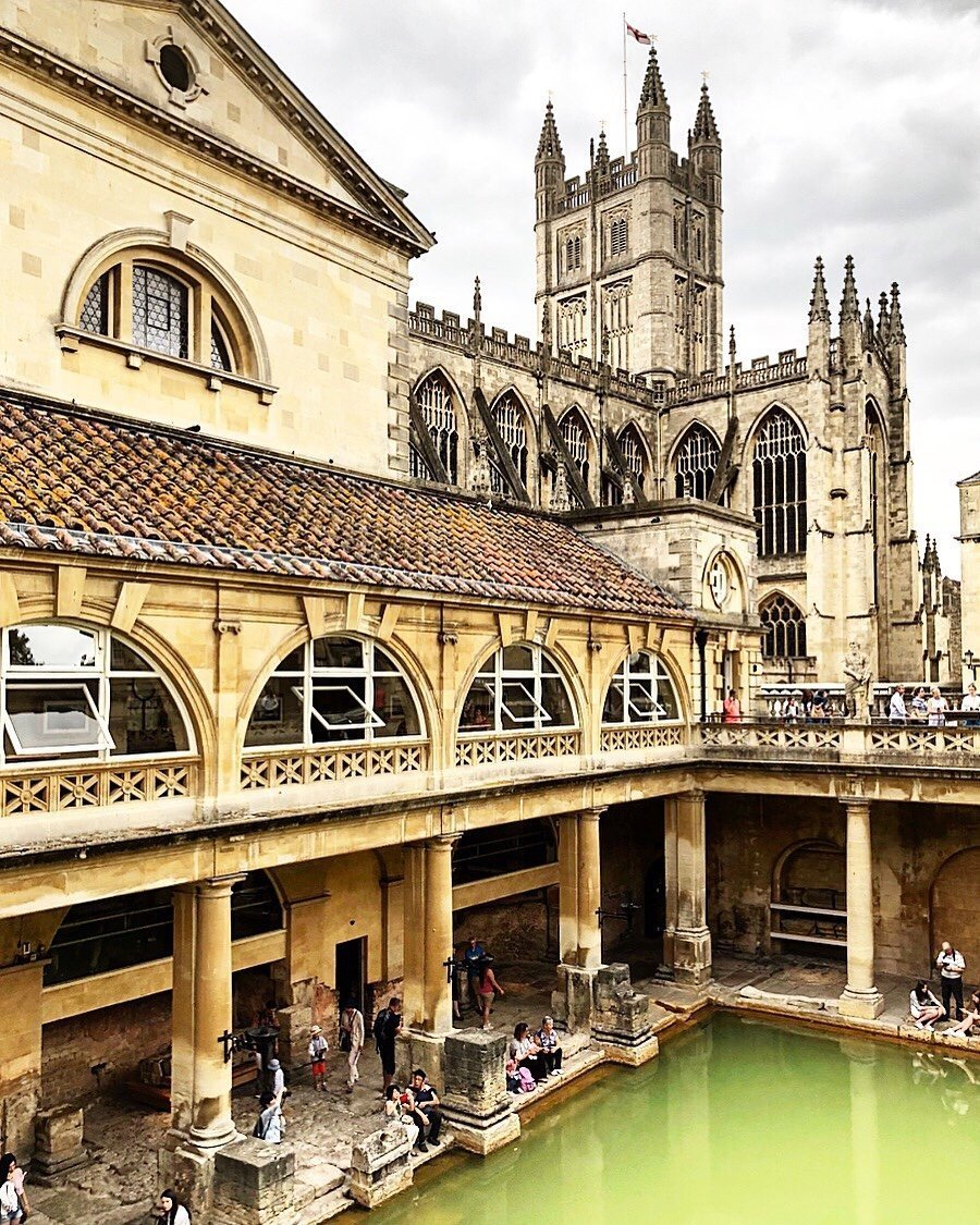 Discover England: the itinerary of Bath and Castle Combe.