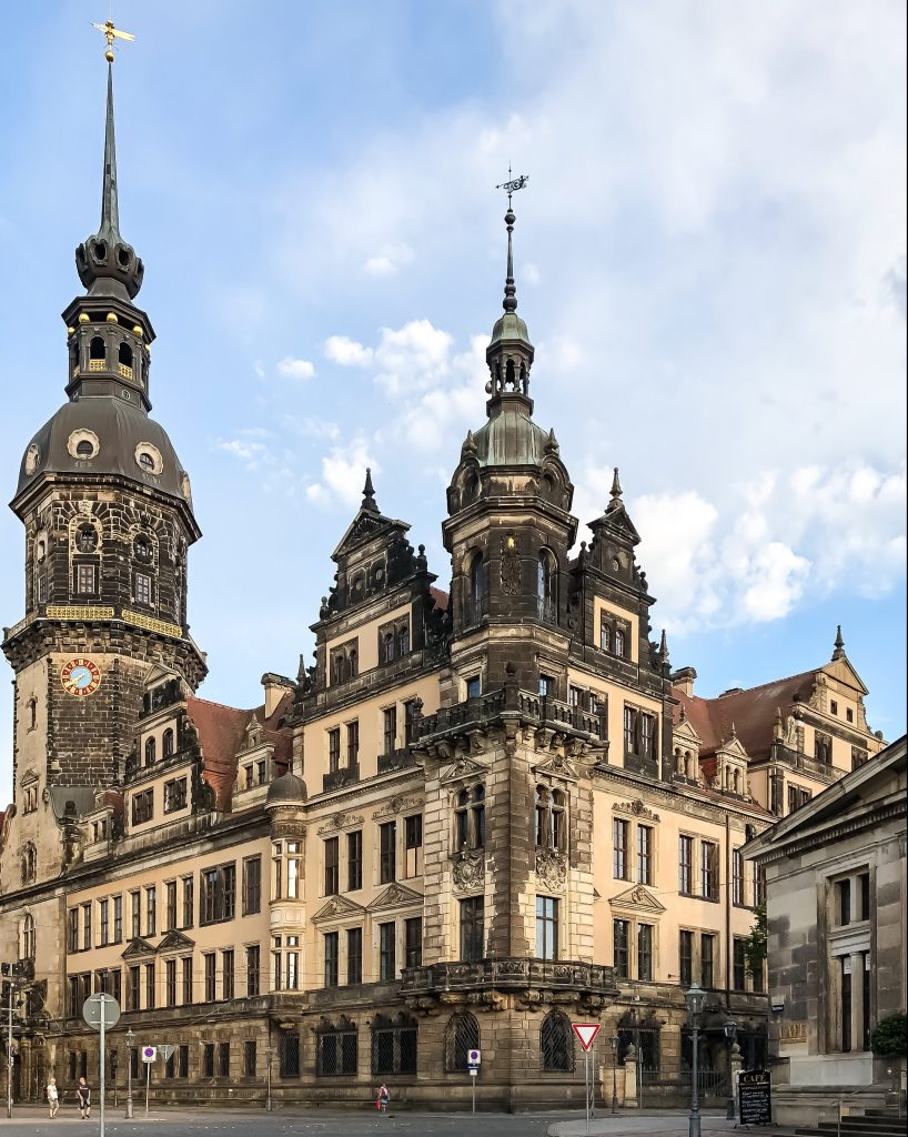 457d6737-767f-44af-bcc8-368a7d444667-e1537992857817-818x1024 Dresden: the city of music and art, far from being a known getaway