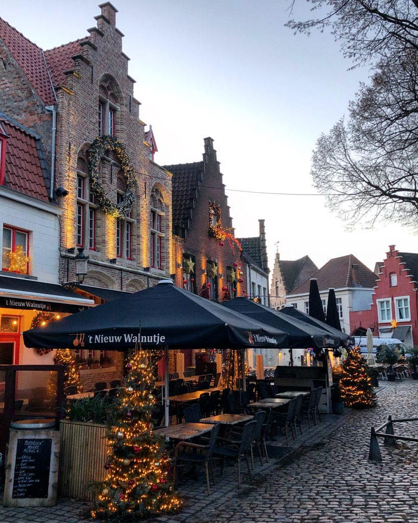 3B25320E-BCE4-4A40-AF49-E7B783E5BADA-scaled The romantic city of Bruges and its highlights