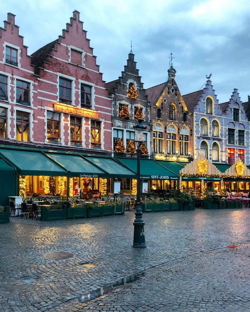 DB0700FB-4812-4B3B-B255-167D78D67181-scaled The romantic city of Bruges and its highlights