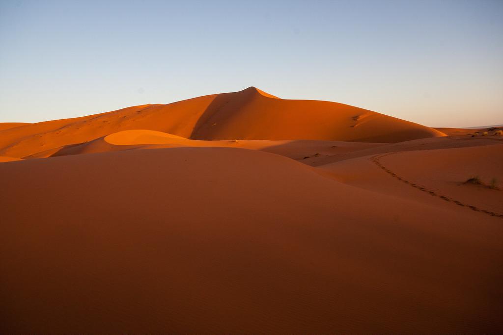 Une belle dune au coeur du désert, Merzouga.
