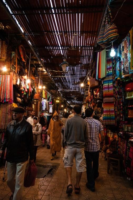 Allée du souk de Marrakech.