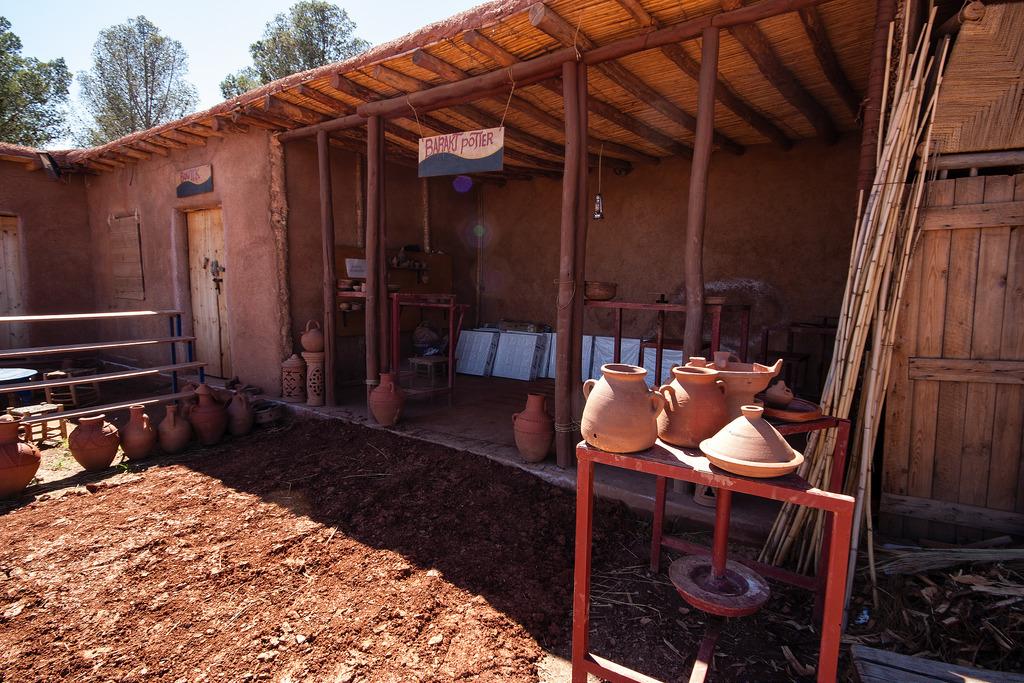 Atelier de poterie locale.