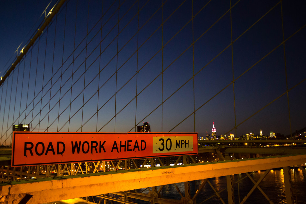 A travers le Brooklyn Bridge.