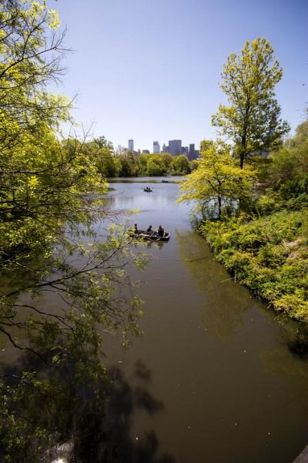 Promenade en barque dans Central Park.