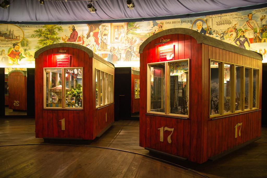 Cabines de la grande roue du parc du Prater.