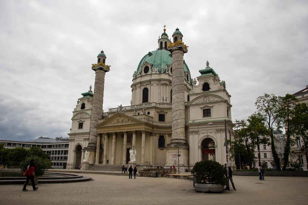 L'église Saint Charles de Vienne.