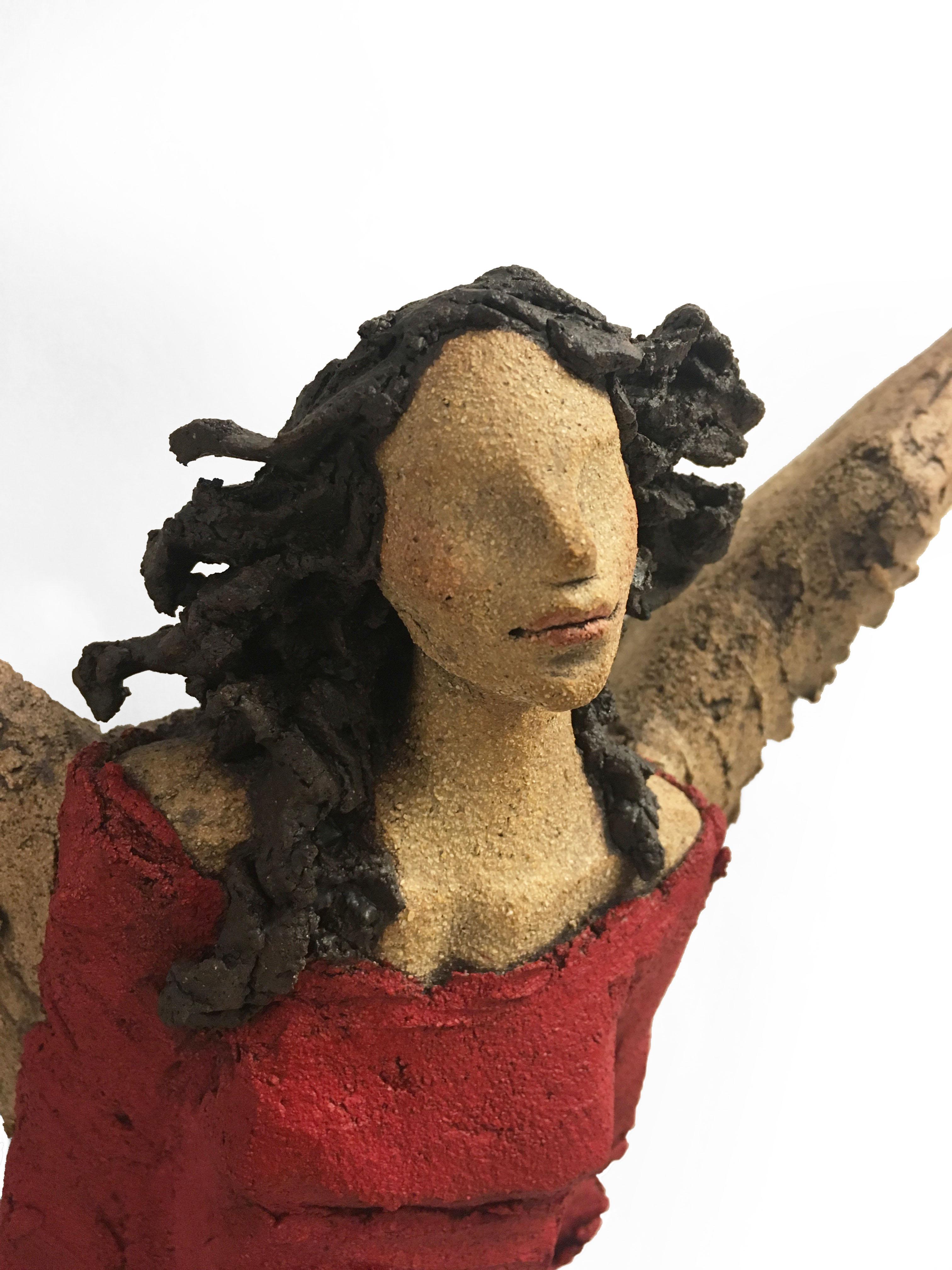 rød engel Ingun Dahlin keramikk skulptur