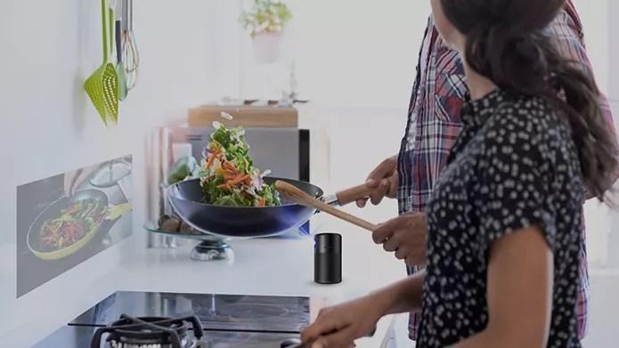 ankerのスマートプロジェクターcapsuleで料理しながらレシピ確認