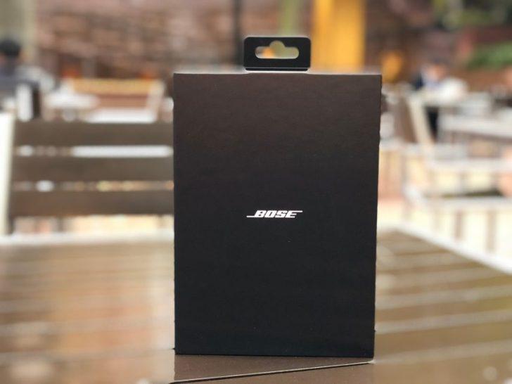 Bose SoundSport Free wireless headphones 完全ワイヤレスイヤホン ミッドナイトブルー/イエローシトロンの黒い箱