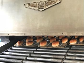 給食用パンの製造 ダイコーパン 大港食品株式会社