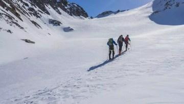 Zasněžené vrcholky Ötztalských Alp