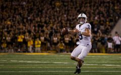 Penn State edges Iowa in Big Ten opener