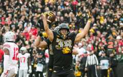 Hawkeye tight ends thriving this season