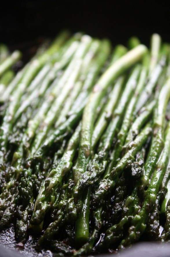 Garlic Sauteed Asparagus plus 40+ Cast Iron Skillet Recipes