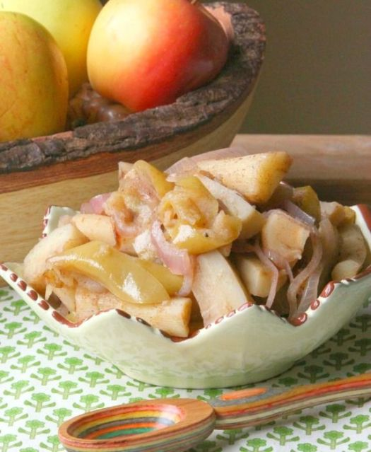 Roasted Parsnip and Apple Bake plus +60 Parsnip Recipes from around the web.