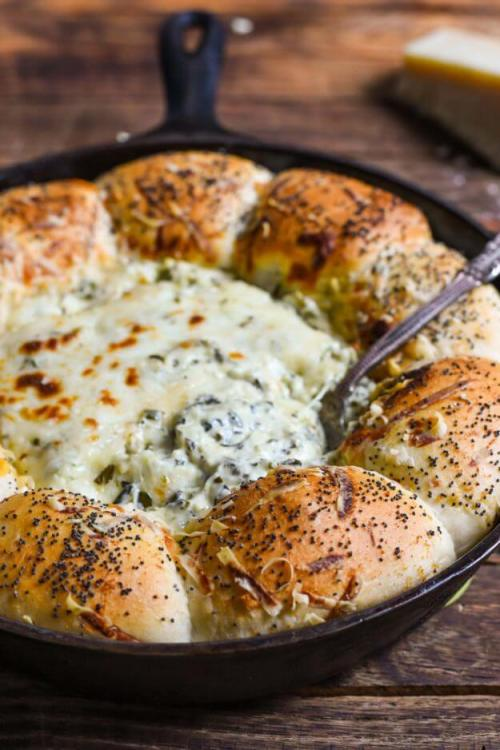 10 Super Cheesy Dips including this skillet bread and spinach dip