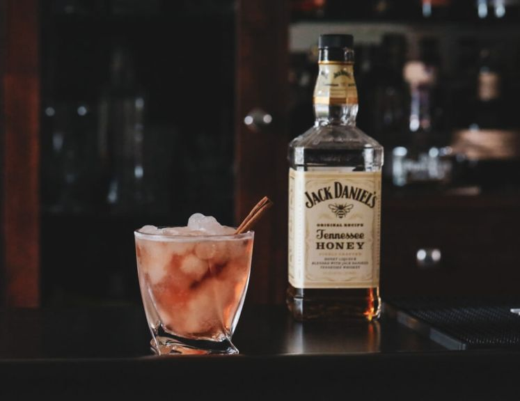 Jack Daniels Tennessee Honey Cocktail