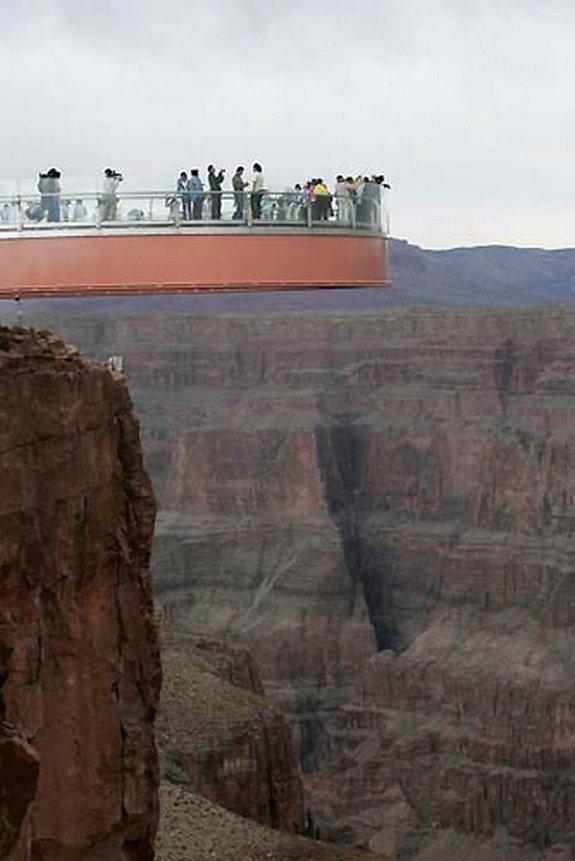 стеклянному мосту над Колорадо 06 в 4000 футов стекла мост над рекой Колорадо