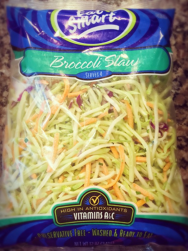 Broccoli slaw is not only an antioxidant fest. It's also quick and ready in an instant!