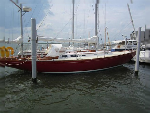 Hinckley Bermuda 40 For Sale Daily Boats Buy Review Price Photos Details