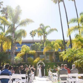 Affordable Wedding Venues California - holidayinnbayside 1