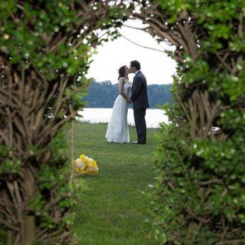 Inexpensive Wedding Venues Long Island - windowsonthelake5