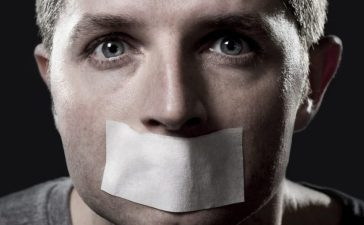 Free speech [Shutterstock/Marcos Mesa Sam Wordley]