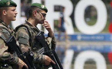 Soldiers patrol ahead of the UEFA 2016 European Championship in Nice, France, June 8, 2016. REUTERS/Eric Gaillard