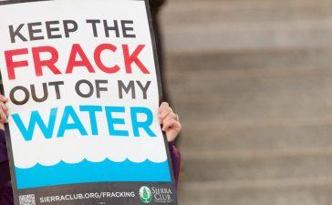 Protesters claim fracking is dangerous in Boise, Idaho (txking / Shutterstock.com)