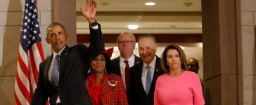 WASHINGTON, DC - JANUARY 4: U.S. President Barack Obama, accompanied by Rep. Frederica Wilson (D-FL), Senate Minority Leader Chuck Schumer (D-NY) and House Minority Leader Nancy Pelosi (D-CA), arrives on Capitol Hill, January 4, 2017. Obama met with Democrats to discuss strategies to protect the Affordable Care Act. (Photo by Aaron P. Bernstein/Getty Images)