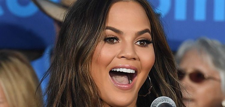 Model and television personality Chrissy Teigen speaks at a campaign event with Sen. Elizabeth Warren (D-MA) at The Springs Preserve on October 4, 2016 in Las Vegas. (Photo by Ethan Miller/Getty Images)